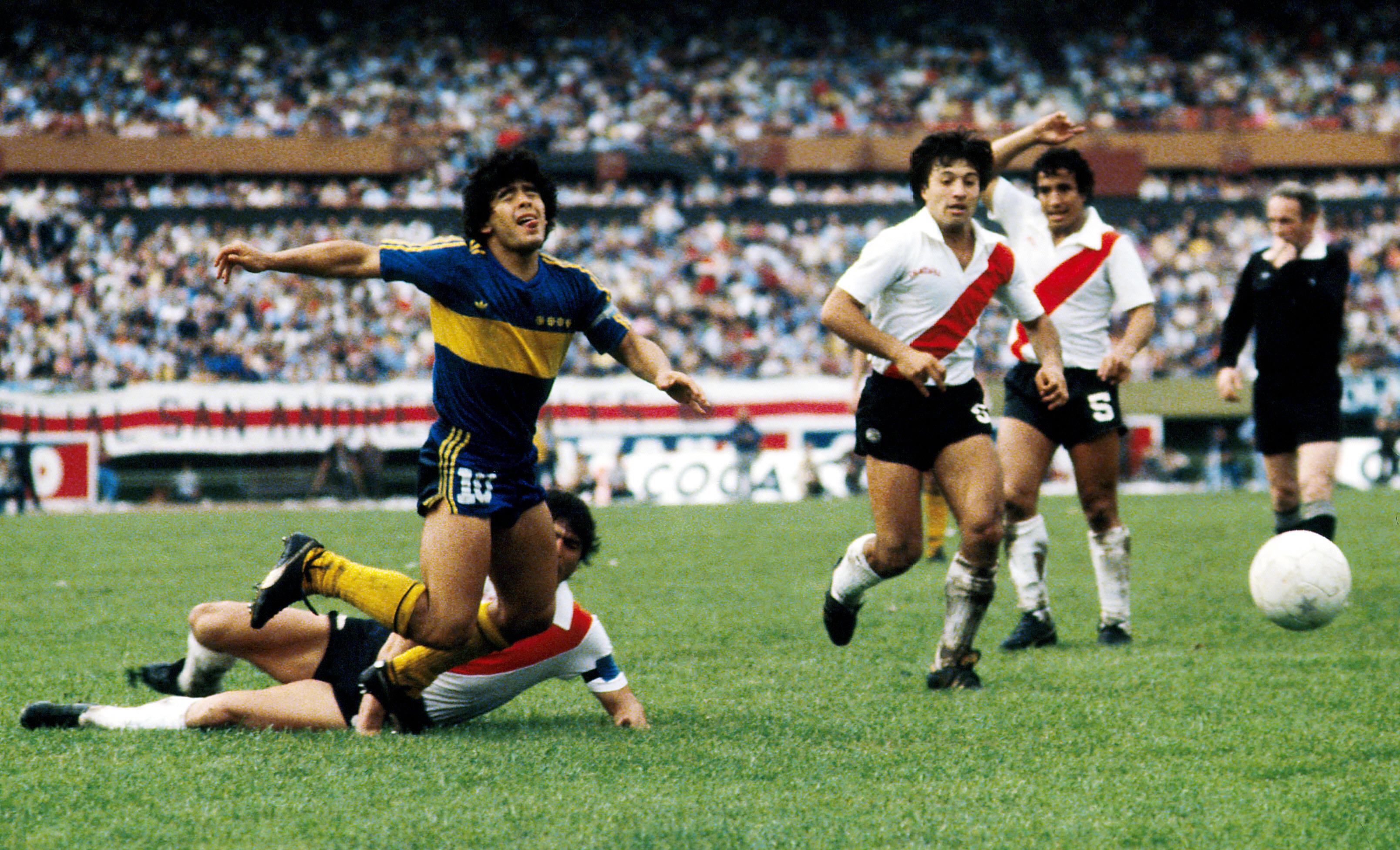 boca juniors maradona river plate ile ilgili görsel sonucu