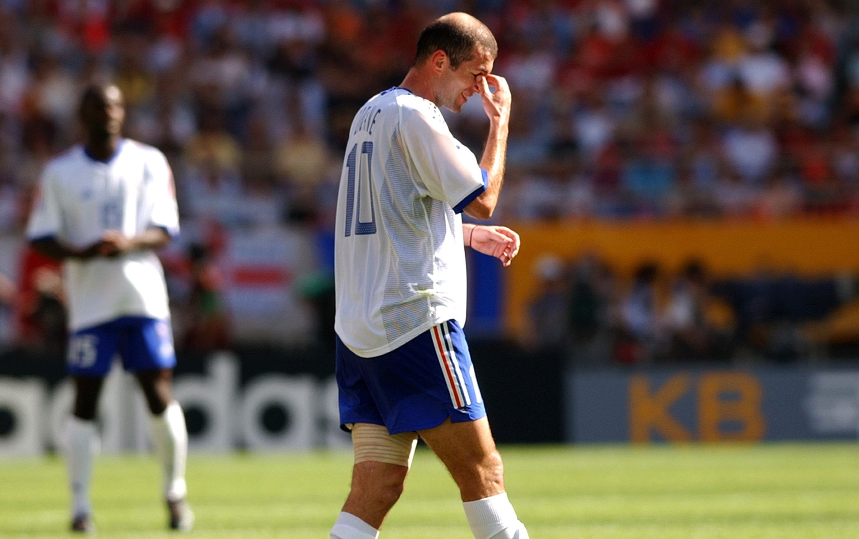 808109a3745 The story of France s failure at World Cup 2002