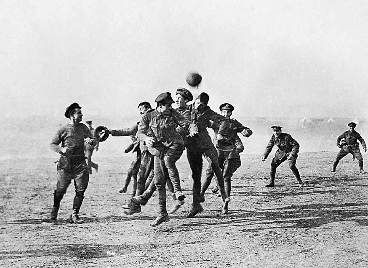 Some say they never happened, while others assert that the football matches  and kickabouts rumoured to have taken place during the 1914 Christmas truce  up ...
